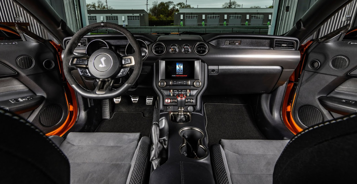 2022 Ford Mustang Interior